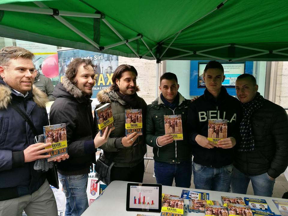 Presenti alla manifestazione di Piazza Santi Apostoli a Roma